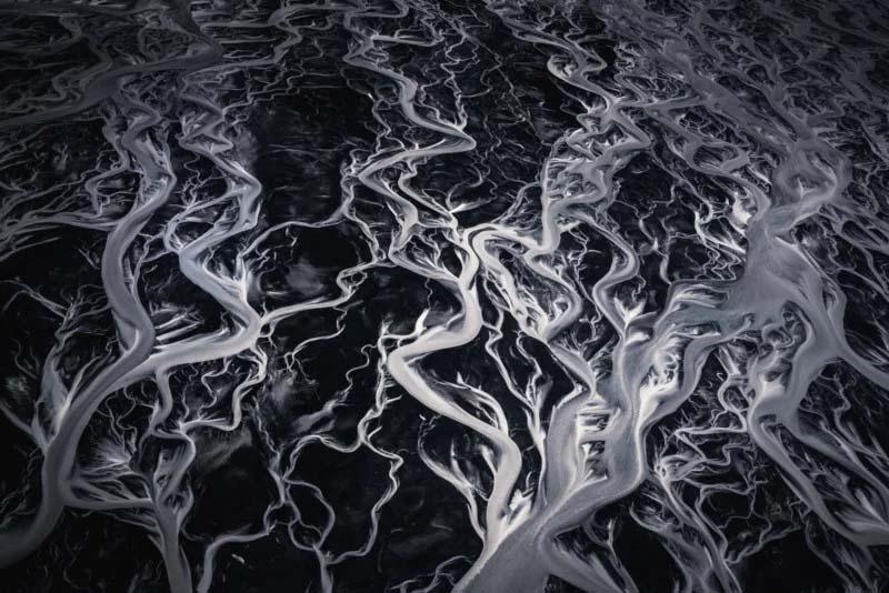 旋转的冰川河流。
